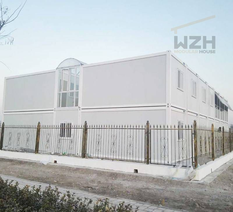 Mobile Flat Pack Container Homes Made in China Prefab Container Office Buildings